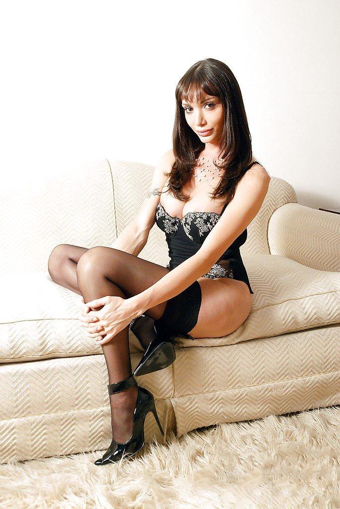 sexyscarletk from Sheffield,United Kingdom